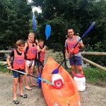 Perfectamente preparados antes de la salida para bajar el Sella en canoa
