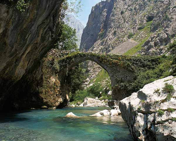 Ruta del Cares Puente La Haya Subida al Bul